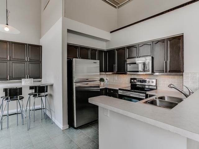 Condo Apartment at 300 Manitoba St, Unit 428, Toronto, Ontario. Image 16