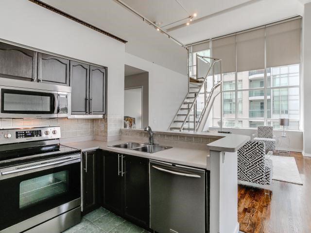 Condo Apartment at 300 Manitoba St, Unit 428, Toronto, Ontario. Image 17
