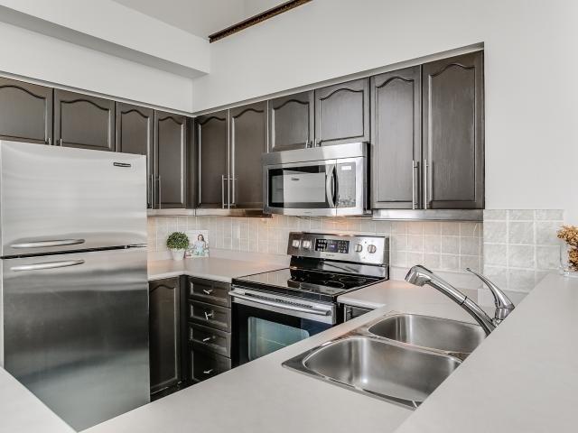 Condo Apartment at 300 Manitoba St, Unit 428, Toronto, Ontario. Image 18