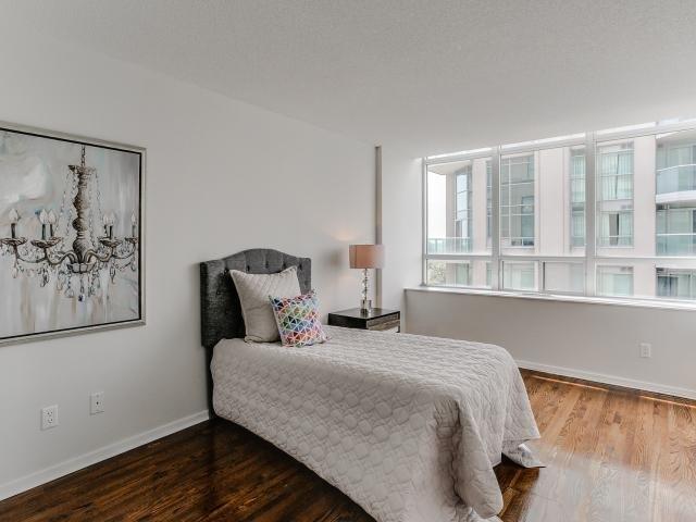 Condo Apartment at 300 Manitoba St, Unit 428, Toronto, Ontario. Image 4