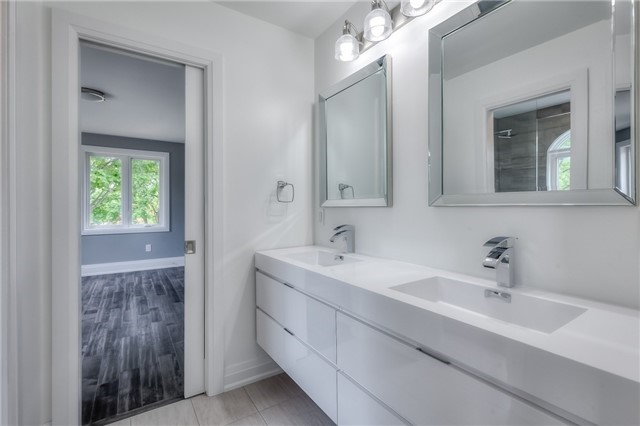 Detached at 62 Chartwell Rd, Toronto, Ontario. Image 5