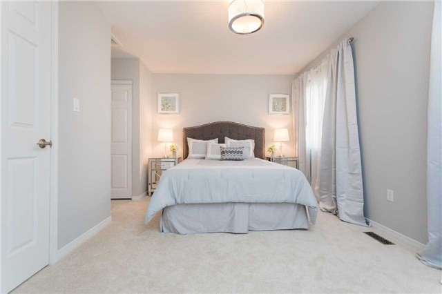 Townhouse at 153 Harbourview Cres, Toronto, Ontario. Image 2