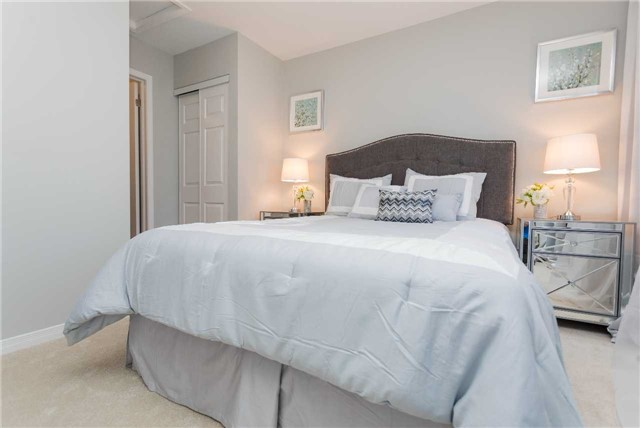 Townhouse at 153 Harbourview Cres, Toronto, Ontario. Image 3