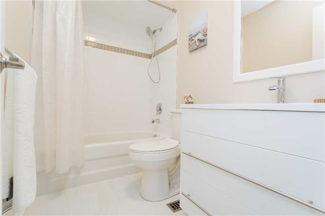 Townhouse at 153 Harbourview Cres, Toronto, Ontario. Image 5