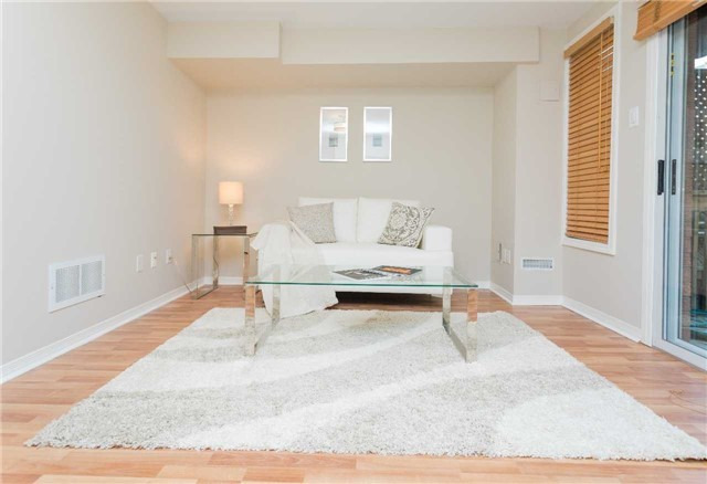 Townhouse at 153 Harbourview Cres, Toronto, Ontario. Image 9