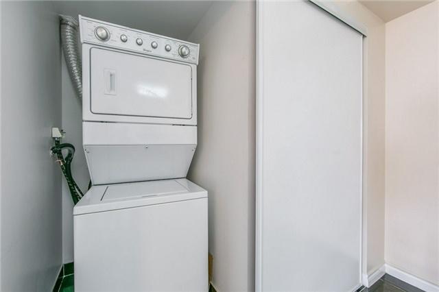 Condo Apartment at 35 Kingsbridge Garden Circ, Unit 1202, Mississauga, Ontario. Image 8
