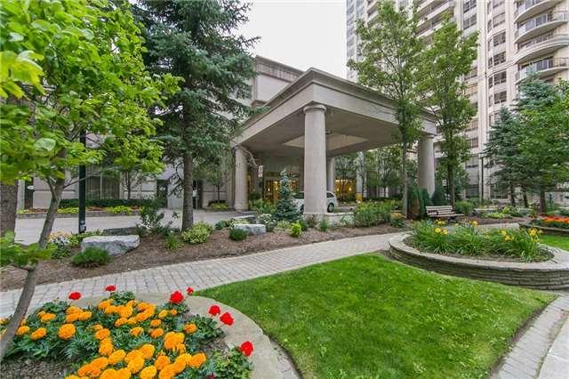 Condo Apartment at 35 Kingsbridge Garden Circ, Unit 1202, Mississauga, Ontario. Image 10