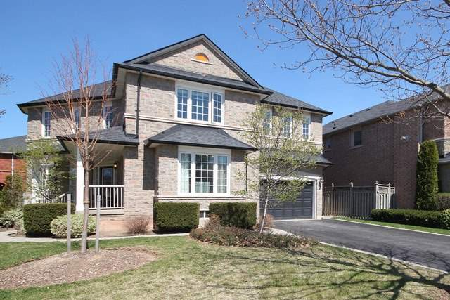Detached at 2097 Shorncliffe Blvd, Oakville, Ontario. Image 12