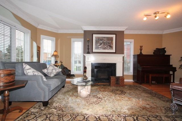 Detached at 2097 Shorncliffe Blvd, Oakville, Ontario. Image 17