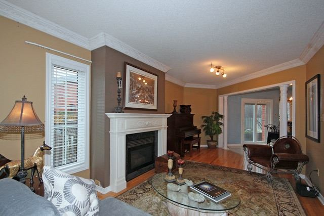 Detached at 2097 Shorncliffe Blvd, Oakville, Ontario. Image 18