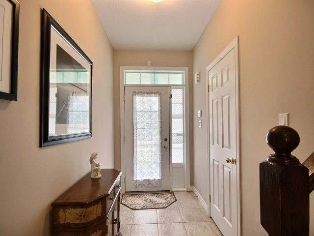 Townhouse at 2340 Whistling Springs Cres, Oakville, Ontario. Image 12