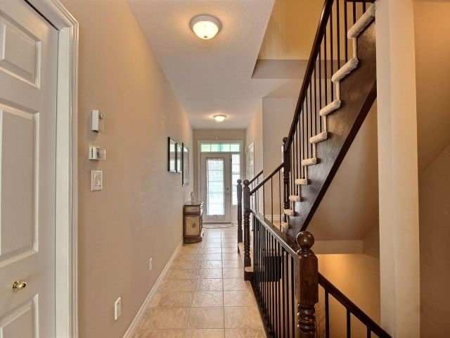 Townhouse at 2340 Whistling Springs Cres, Oakville, Ontario. Image 14