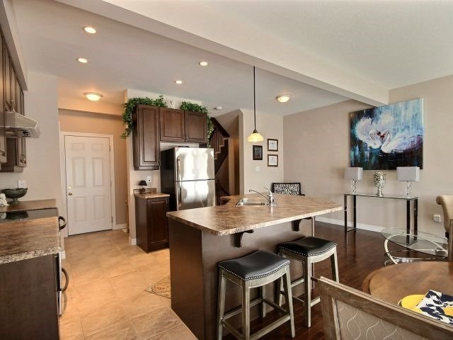 Townhouse at 2340 Whistling Springs Cres, Oakville, Ontario. Image 17
