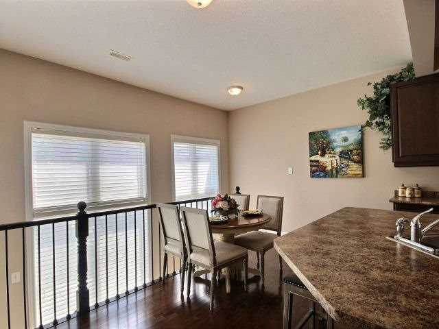Townhouse at 2340 Whistling Springs Cres, Oakville, Ontario. Image 20