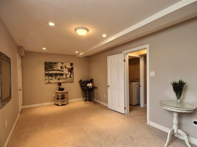 Townhouse at 2340 Whistling Springs Cres, Oakville, Ontario. Image 10