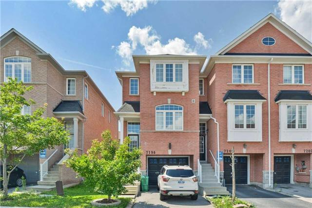 Townhouse at 7198 Deanlee Crt, Mississauga, Ontario. Image 1