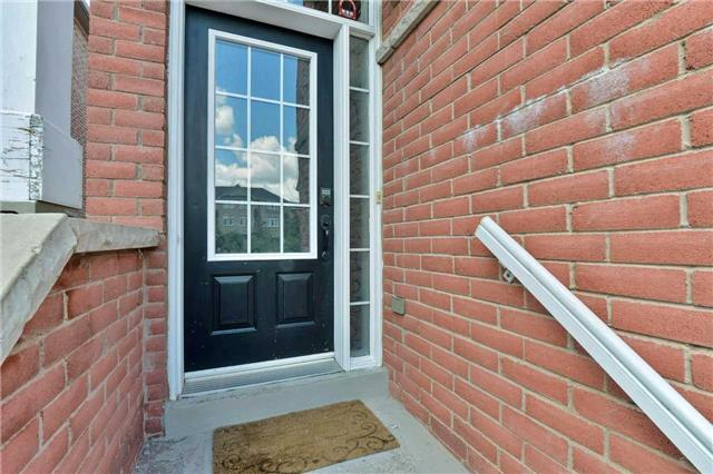 Townhouse at 7198 Deanlee Crt, Mississauga, Ontario. Image 12