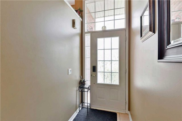 Townhouse at 7198 Deanlee Crt, Mississauga, Ontario. Image 14