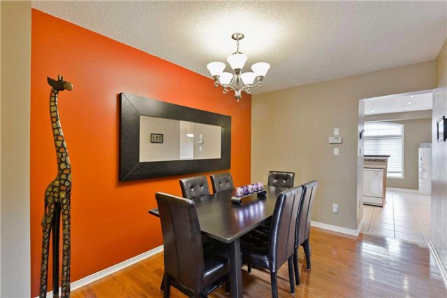 Townhouse at 7198 Deanlee Crt, Mississauga, Ontario. Image 17