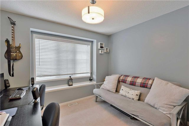 Townhouse at 7198 Deanlee Crt, Mississauga, Ontario. Image 7