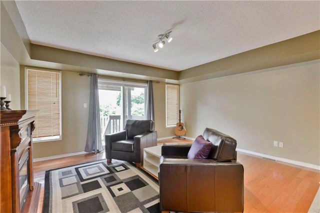 Townhouse at 7198 Deanlee Crt, Mississauga, Ontario. Image 8
