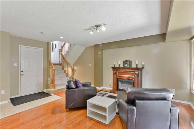 Townhouse at 7198 Deanlee Crt, Mississauga, Ontario. Image 9