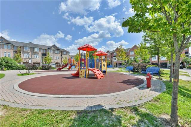 Townhouse at 7198 Deanlee Crt, Mississauga, Ontario. Image 13