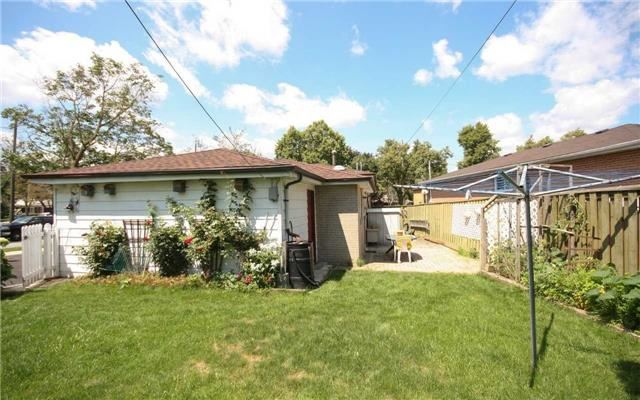 Detached at 1 Millview Cres, Toronto, Ontario. Image 10