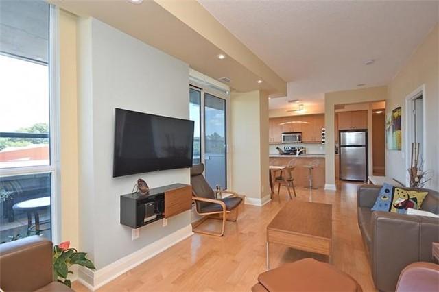 Condo Apartment at 1 Hurontario St, Unit #203, Mississauga, Ontario. Image 16