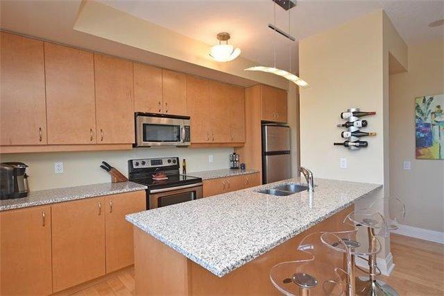 Condo Apartment at 1 Hurontario St, Unit #203, Mississauga, Ontario. Image 18