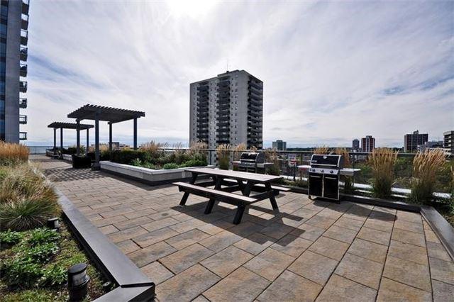 Condo Apartment at 1 Hurontario St, Unit #203, Mississauga, Ontario. Image 9