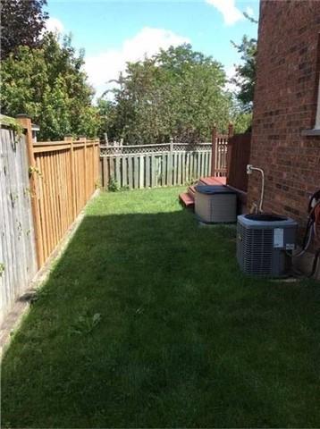 Detached at 3546 Bertrand Rd, Mississauga, Ontario. Image 2