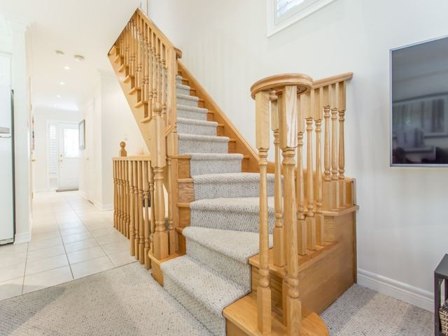 Condo Townhouse at 1050 Grand Blvd, Unit 6, Oakville, Ontario. Image 2
