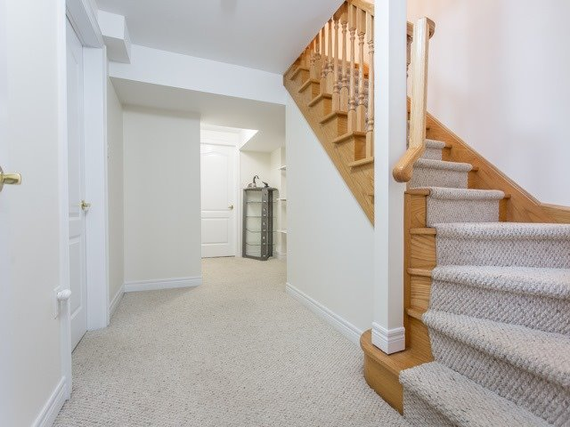 Condo Townhouse at 1050 Grand Blvd, Unit 6, Oakville, Ontario. Image 9