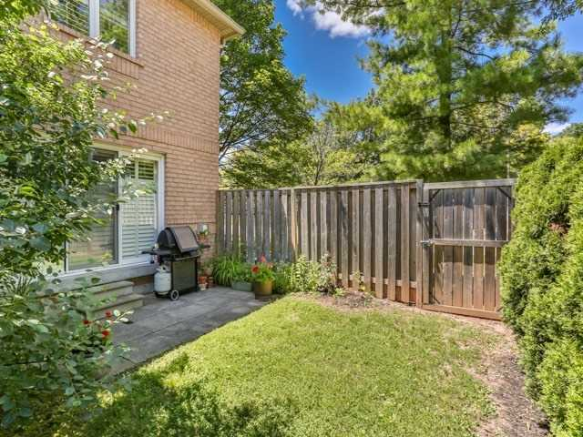 Condo Townhouse at 1050 Grand Blvd, Unit 6, Oakville, Ontario. Image 10