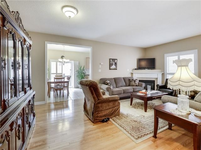 Detached at 31 Bramtrail Gate, Brampton, Ontario. Image 15
