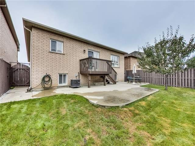Detached at 31 Bramtrail Gate, Brampton, Ontario. Image 10