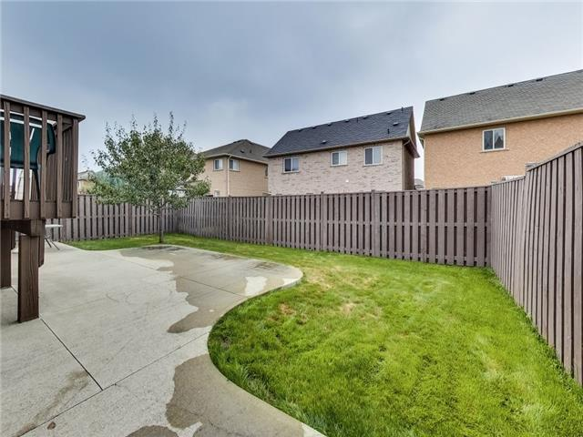 Detached at 31 Bramtrail Gate, Brampton, Ontario. Image 11