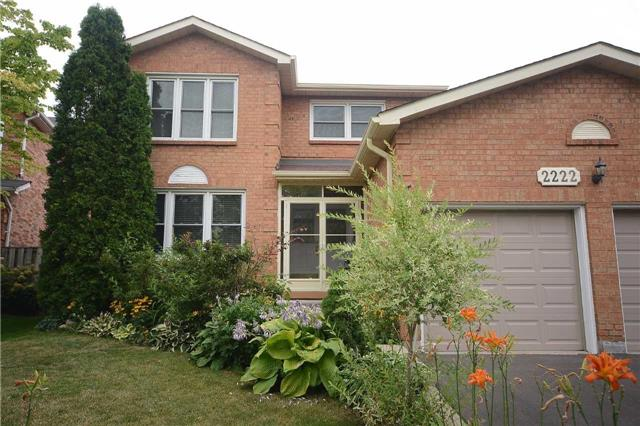 Detached at 2222 Castlefield Cres, Oakville, Ontario. Image 1