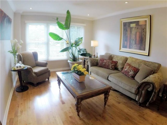 Detached at 2222 Castlefield Cres, Oakville, Ontario. Image 13