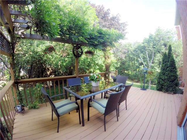 Detached at 2222 Castlefield Cres, Oakville, Ontario. Image 12