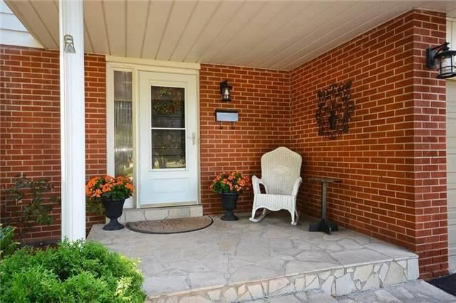 Detached at 1168 Queens Ave, Oakville, Ontario. Image 14