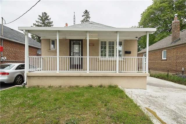 Detached at 927 Islington Ave, Toronto, Ontario. Image 1