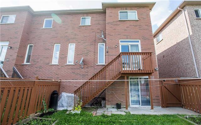 Semi-detached at 77 Ashdale Rd, Brampton, Ontario. Image 13