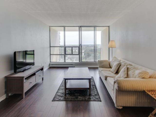 Condo Apartment at 1359 White Oaks Blvd, Unit 705, Oakville, Ontario. Image 16