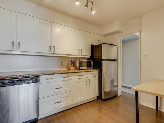 Condo Apartment at 1359 White Oaks Blvd, Unit 705, Oakville, Ontario. Image 18