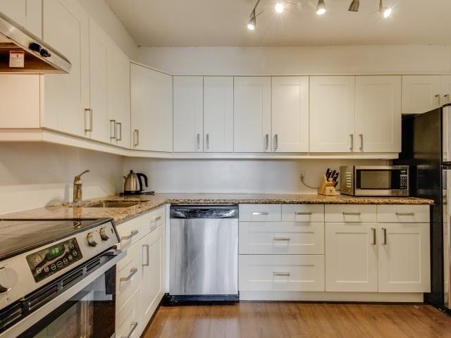 Condo Apartment at 1359 White Oaks Blvd, Unit 705, Oakville, Ontario. Image 19