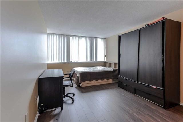 Condo Apartment at 21 Markbrook Lane, Unit 1102, Toronto, Ontario. Image 15