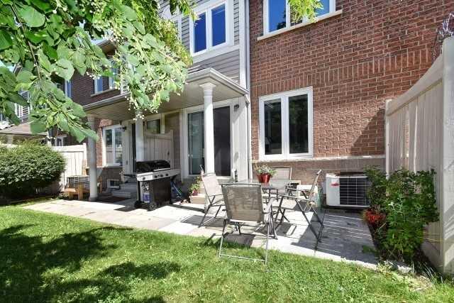 Condo Townhouse at 833 Scollard Crt, Unit 118, Mississauga, Ontario. Image 10