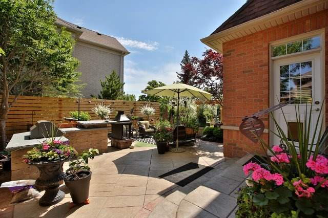 Detached at 571 Golfview Crt, Oakville, Ontario. Image 11